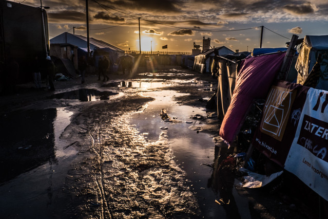 campo-refugiados-calais-francia-anegado-pesimas-condiciones-1456400202725